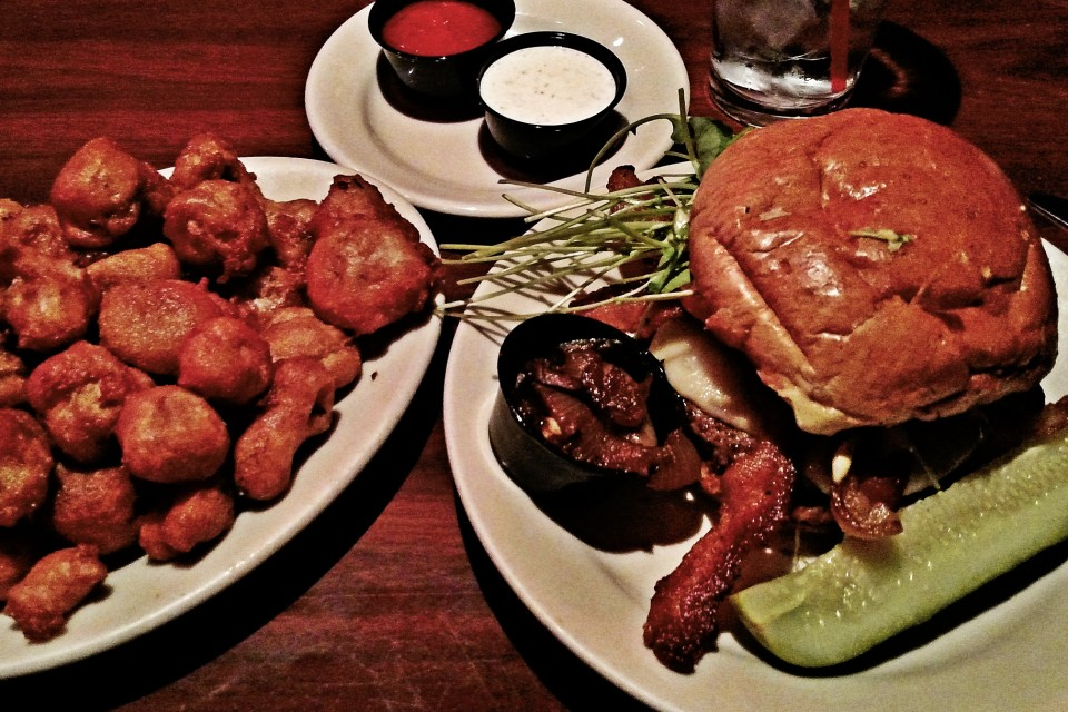 Red Coat Tavern - Detroit, MI (Royal Oak): Brasserie Burger (11.23 ...